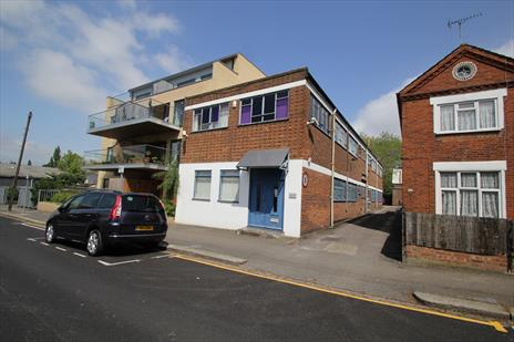 Freehold Offices With Storage For Sale - Cricklewood NW2