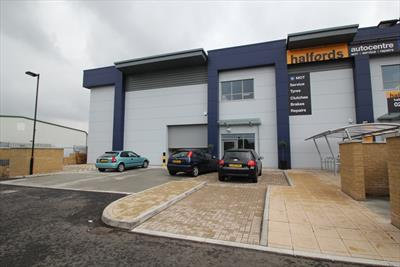 Modern Trade Counter Warehouse With Exceptional Fit-Out - Enfield EN1