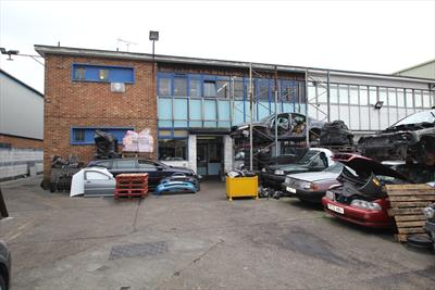 Motor Trade / Industrial Unit / Warehouse - To Let - Edmonton N18