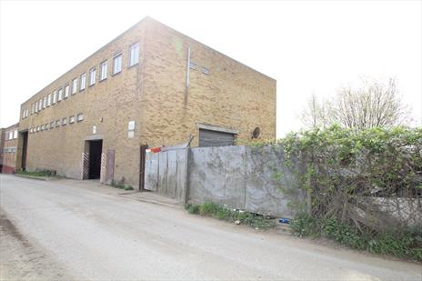 Industrial Workshop/Warehouse Space & Yard To Let - Greenford UB6