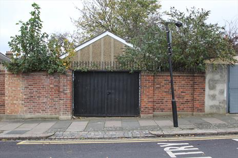 Freehold Garage For Sale - Tottenham N17
