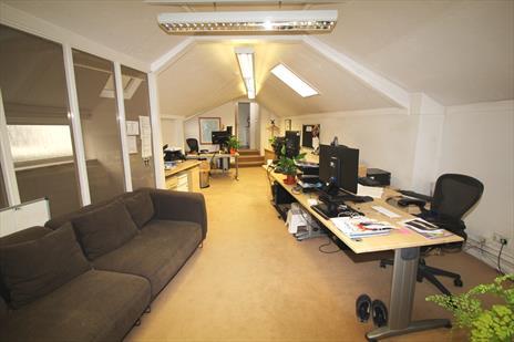 Office To Let Highgate Village - London N6