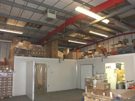 Small Warehouse To Let - Enfield EN3