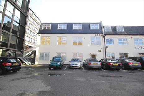 Attractive Ground Floor Office To Let - Southgate N14