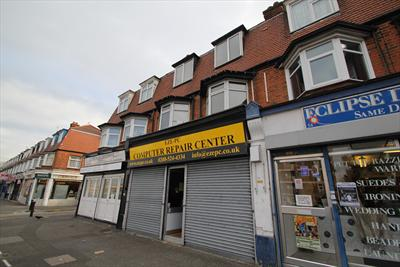 Vacant Freehold Shop With Upper Three Bedroom Flat For Sale - Chingford E4