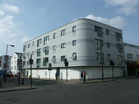 Multi Use Commercial Premises To Let - Consent For Day Nursery, Shop/Retail (A1) , A2 & B1 Offices - Hornsey, London N19