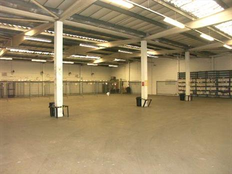 Enfield Warehouse To Let - only £4.50 per sq ft - Excellent Mollison Avenue Location