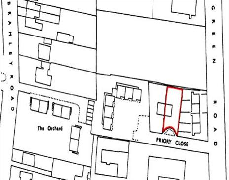 Freehold 3 Bedroom House in London N14 with Residential Development Site to Side