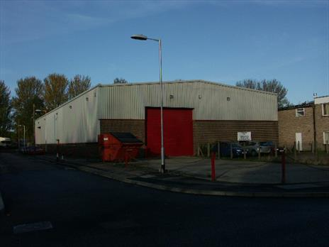Modern Warehouse Unit To Let - Waltham Abbey