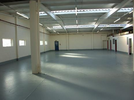 Refurbished Warehouse / Workshop To Let - Enfield EN3