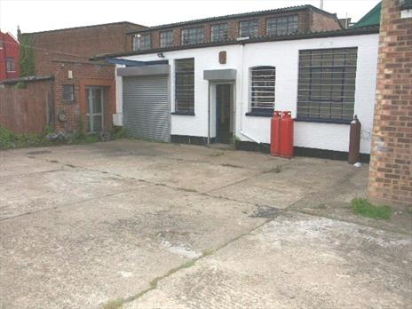 Light Industrial / Studio Unit To Let - Wood Green, London N22
