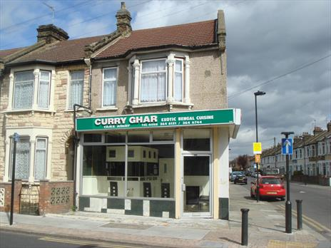 Freehold Takeaway For Sale With Flat Above - Enfield EN1