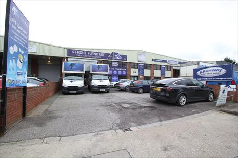Warehouse / Trade Counter Unit To Let - New Southgate N11