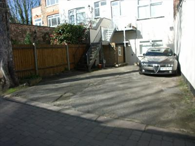 Small B1 Office/Studio To Let - Winchmore Hill N21