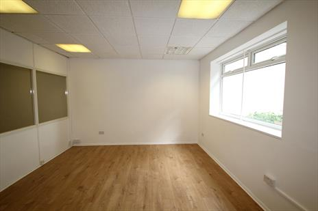 Small Office Suite To Let - Winchmore Hill N21
