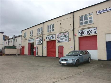 Freehold warehouse and showroom unit for sale - Enfield EN3