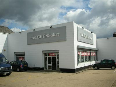 Prominent Retail Showroom To Let - Palmers Green, London N13