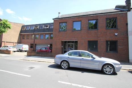 2,760 sq.ft Office To Let - Enfield EN1