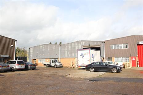 Industrial Warehouse To Let - Waltham Abbey EN9