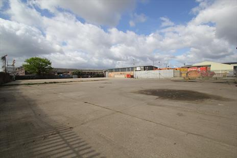 1.41 acre Yard and Warehouse To Let - Edmonton N18