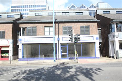 Prominent High Street A2 Office / Retail Unit Potters Bar EN6