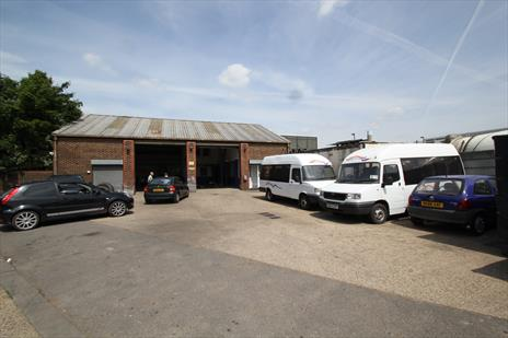 B1 / B2 / B8 Workshop / Warehouse To Let - Edmonton N18