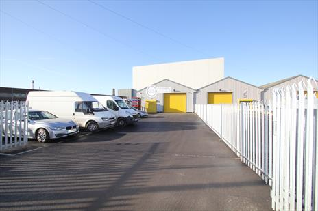 Modern Industrial Warehouse Unit To Let in Edmonton - N18