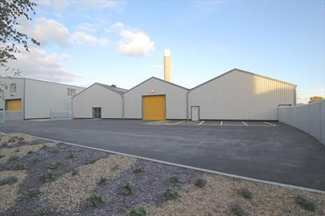 Refurbished Industrial Warehouse Unit With Private Yard To Let - Edmonton N18