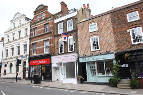 Shop To Let in Highgate Village - London N6