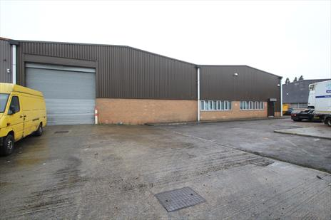 Warehouse To Let in Waltham Abbey - EN9