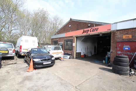 Freehold Vehicle Repair Garage / Workshop For Sale - Enfield EN3