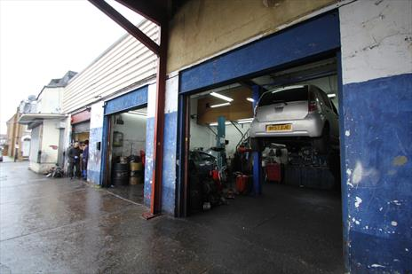 Vehicle Repair Garage / Workshop To Let - Edmonton N18