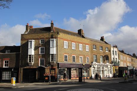 Large Shop To Let in Highgate Village - London N6
