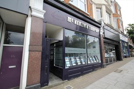 Shop To Let - Winchmore Hill N21