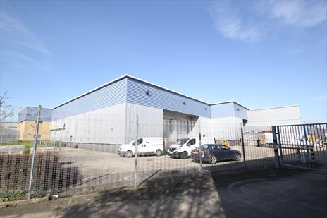 Warehouse acquired for corporate client in Borehamwood