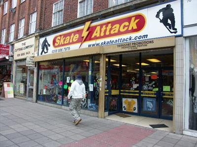 Prime Retail Unit (A1) To Let - Southgate N14